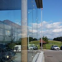 Grundreinigung eines Muesumglasbau mit grossen Fensterfronten