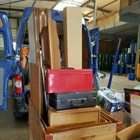 Transport von Lagerhaus zu Lagerhaus