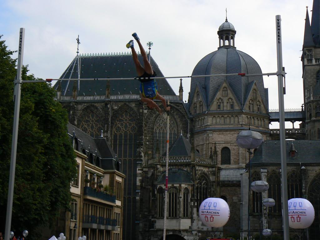 Marktplatzspringen in Aachen