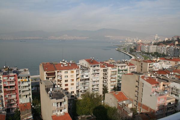Blick über die Bucht von Izmir^