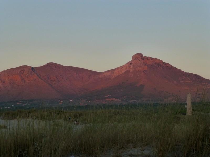 Sonnenuntergang in den Bergen (Bucht von Alcudia)