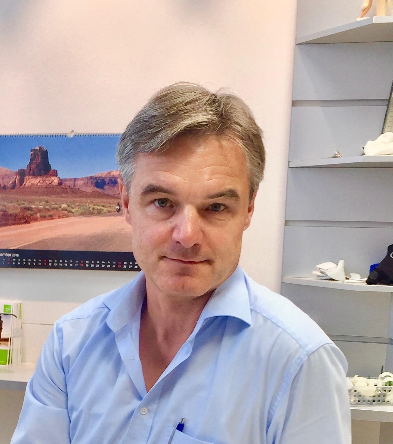 Dr. Dirk Hedrich; Facharzt für Orthopädie und Unfallchirurgie, Rheumatologie