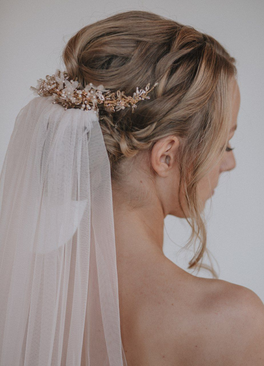 Headpiece Madeleine antique gold/blush - photo by A-Stone