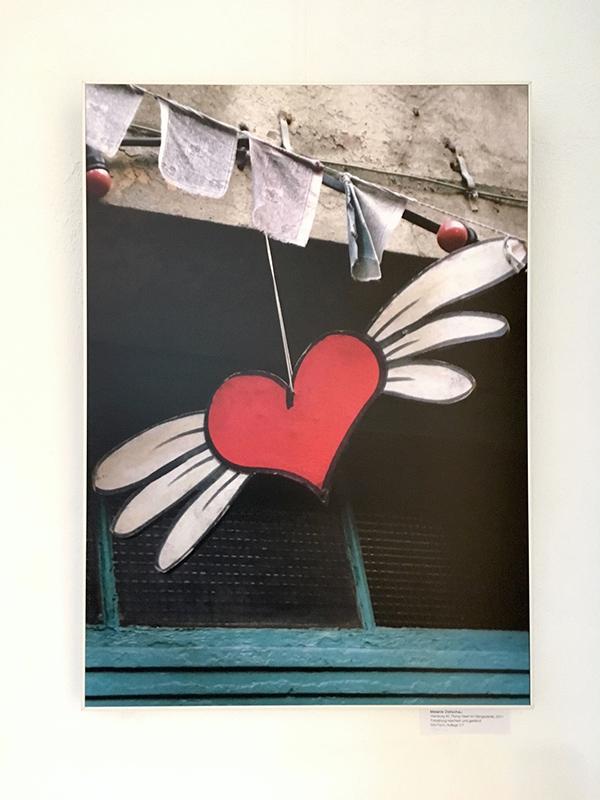 Hamburg #2, Flying Heart im Gängeviertel, 70x50cm