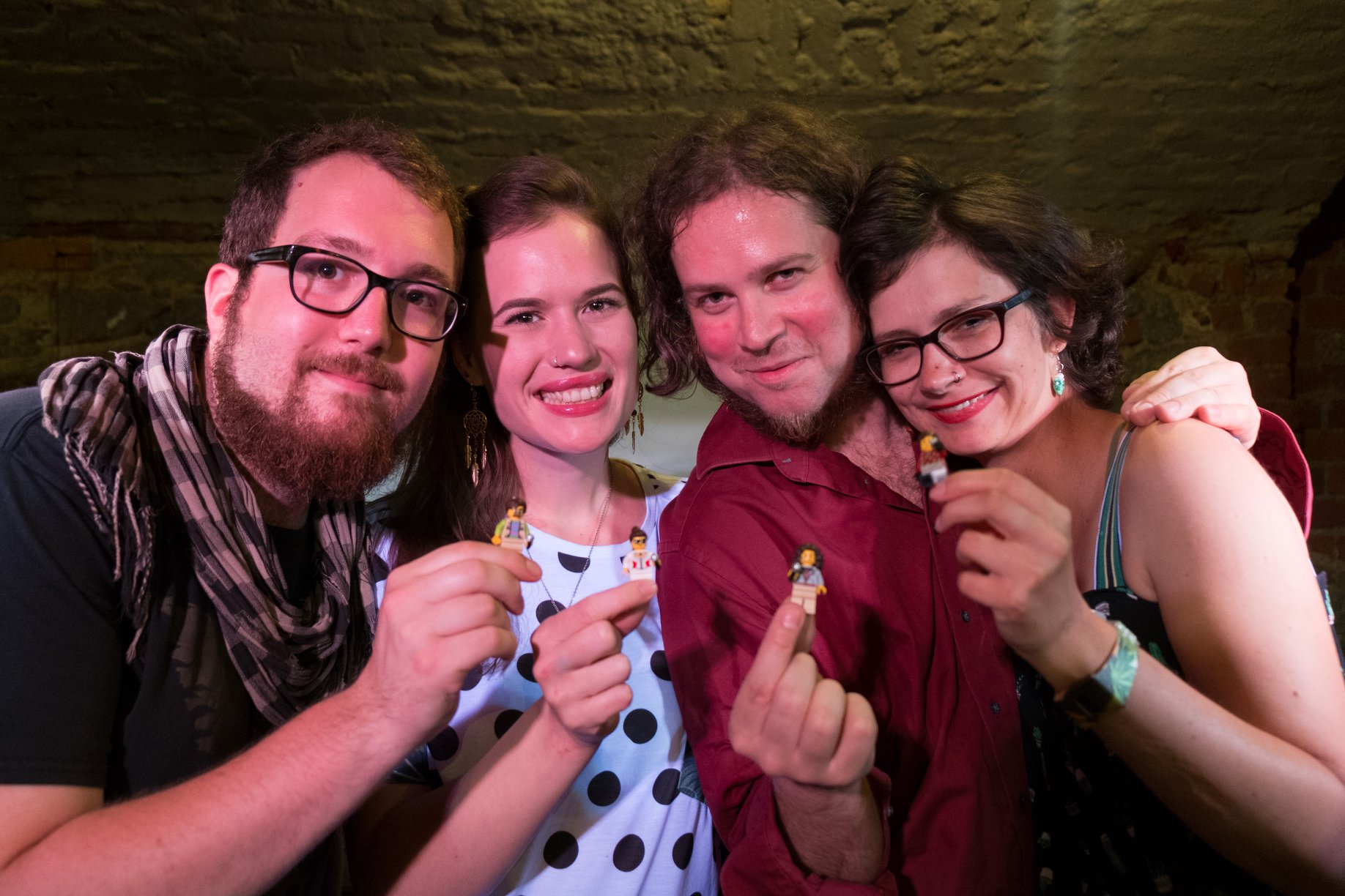 Trotz Abschied fröhlich: Nils, Jessy, Jan und Sarah. // Foto: Jens Burkard