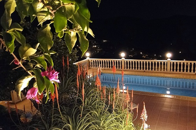 Villa Gandia Hills, Ausblick am Abend