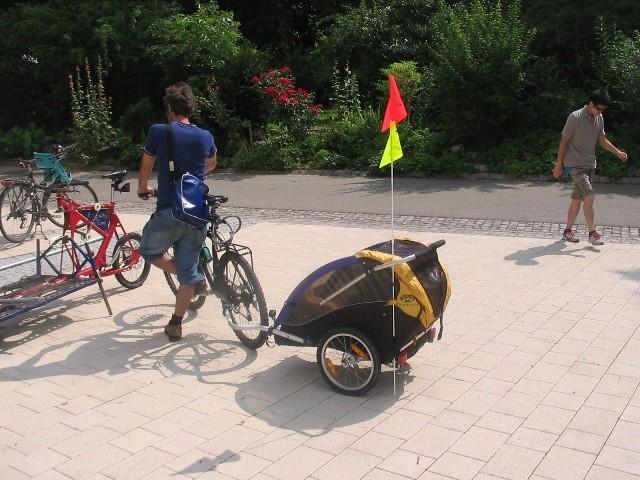 フライブルク・ヴォーバン住宅地の住民の主力交通機関は牽引車