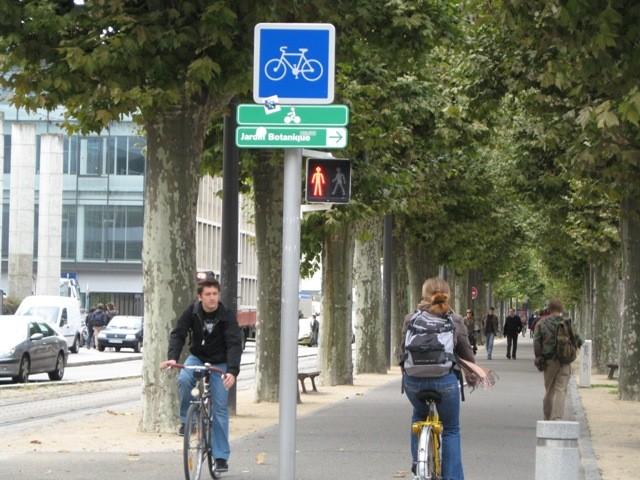 フランス・ストラスブール市でも自転車は活躍