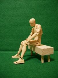 膝の痛み、原因と改善方法