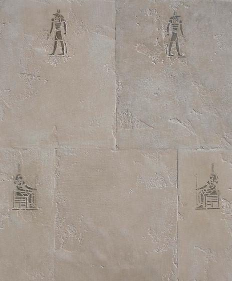 gespachteltetes Motiv auf gefärbtem und geseiften Mineralputz in Steinoptik