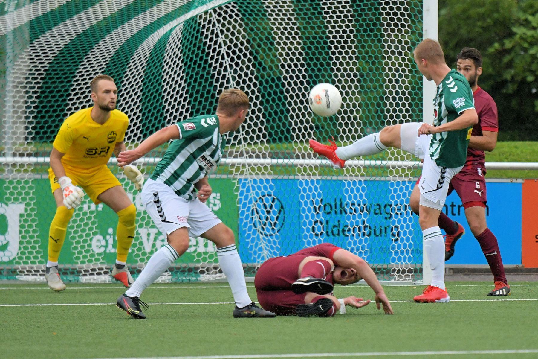 Bildergalerie zum Pokalspiel gegen den Rotenburger SV