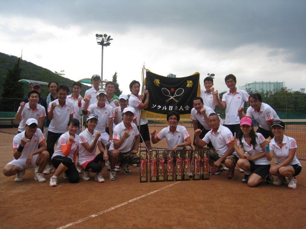 2012年8月 Aチームも接戦を制し今年も完全優勝!!優勝旗も還ってきました^^