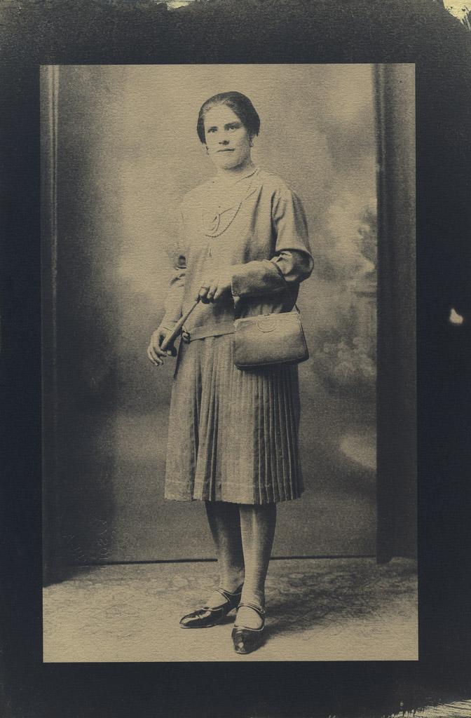 Abuela Salud (1930 aprox.) (Tintada con café)