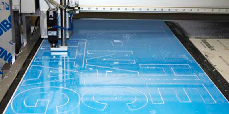 CNC Fräsung für Buchstaben