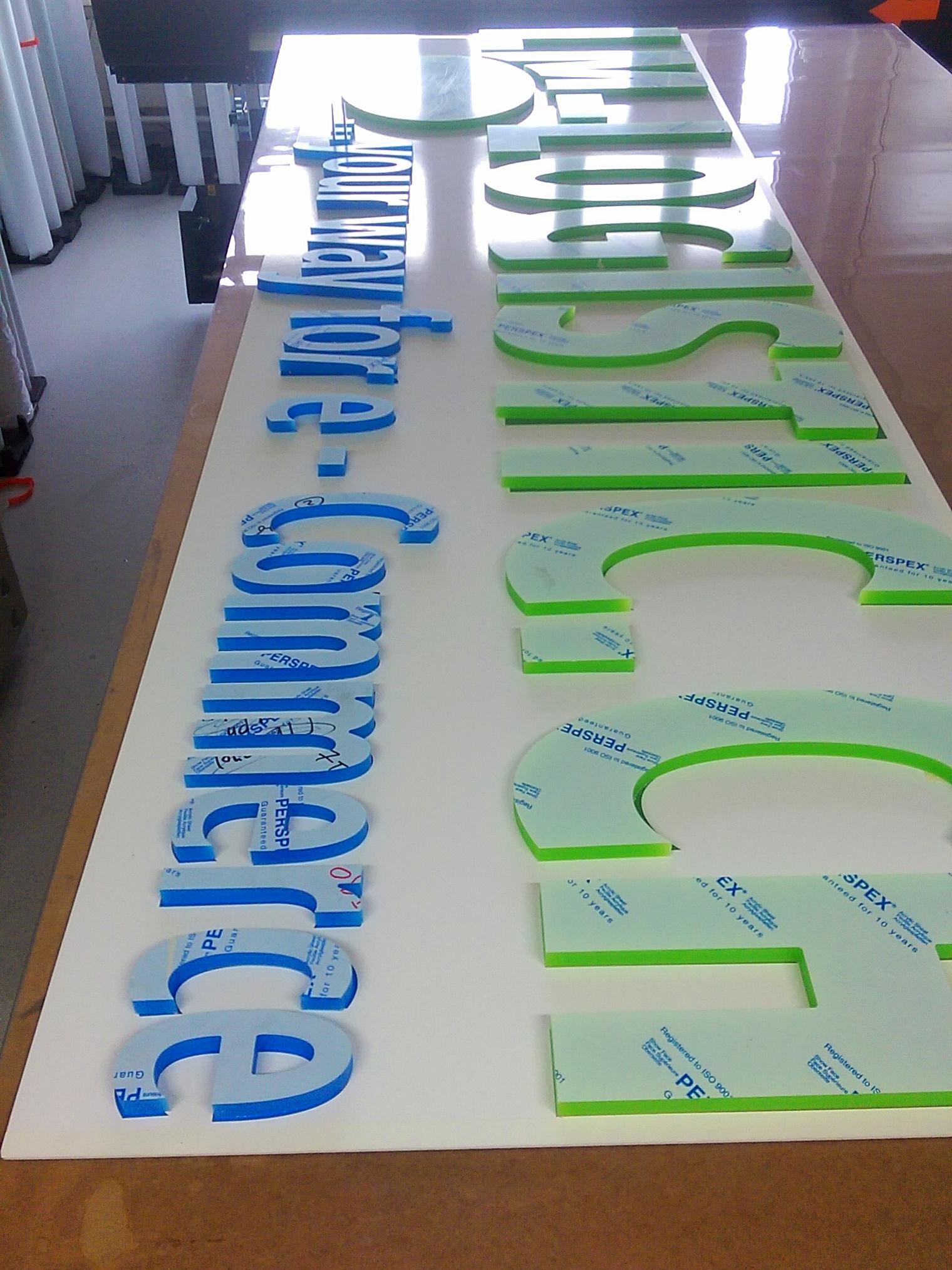 Acrylbuchstaben Konfektion