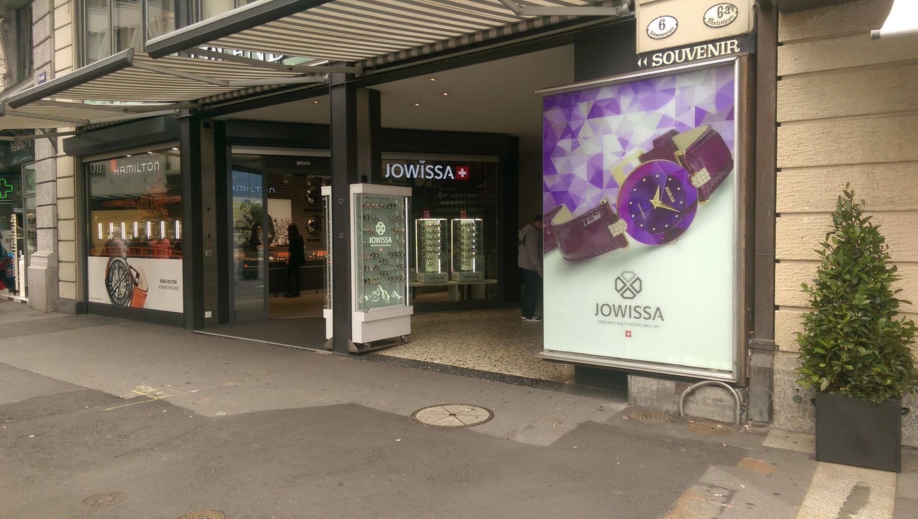 Schaufensterbeschriftung Jowissa in Luzern
