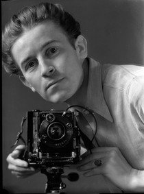Self-portrait ca. 1936 © Hein Gorny - Collection Regard