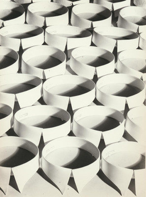 Ohne Titel (Kragen), 1928 © Hein Gorny - Collection Regard