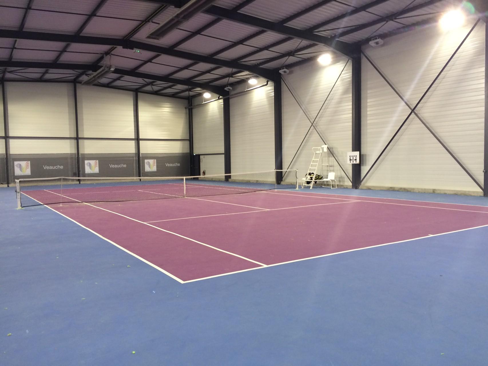 Les courts site du tennis club de veauche for Club de tennis interieur saguenay