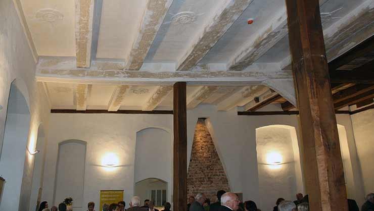 Stuckrestaurierung einer Pressstuckdecke aus dem Jahr 1550 im Kloster Möhlenbeck