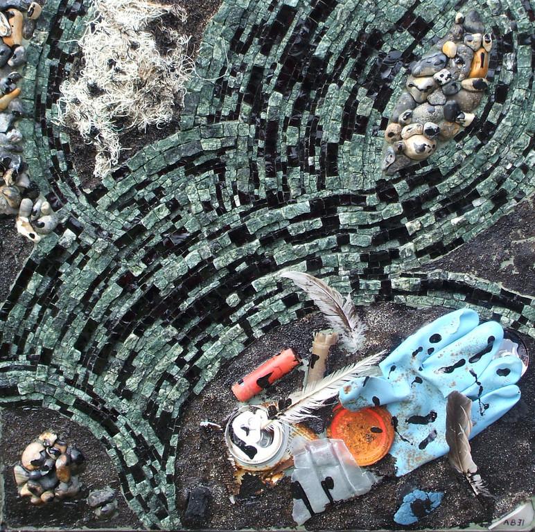 Marée Noire : marbres, smalt, galet, sable, goudron, détritus
