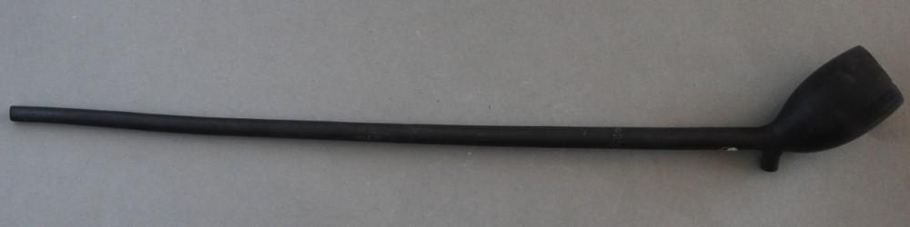 Cat nr 257 Stompe kleinkop met hielmerk 82. Lengte 24 cm