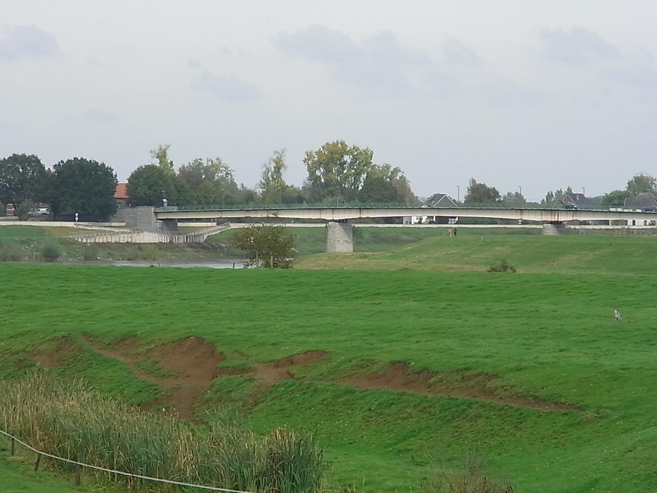 Die Brücke nach Maaseik