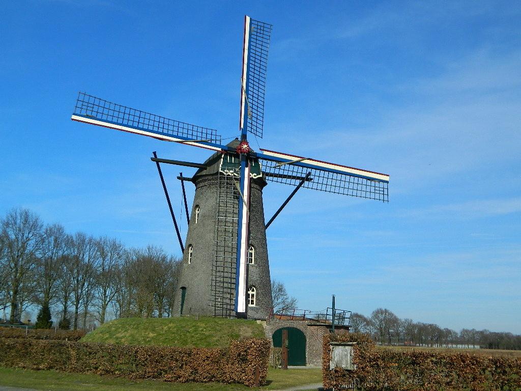 Mühlen entlang des Weges