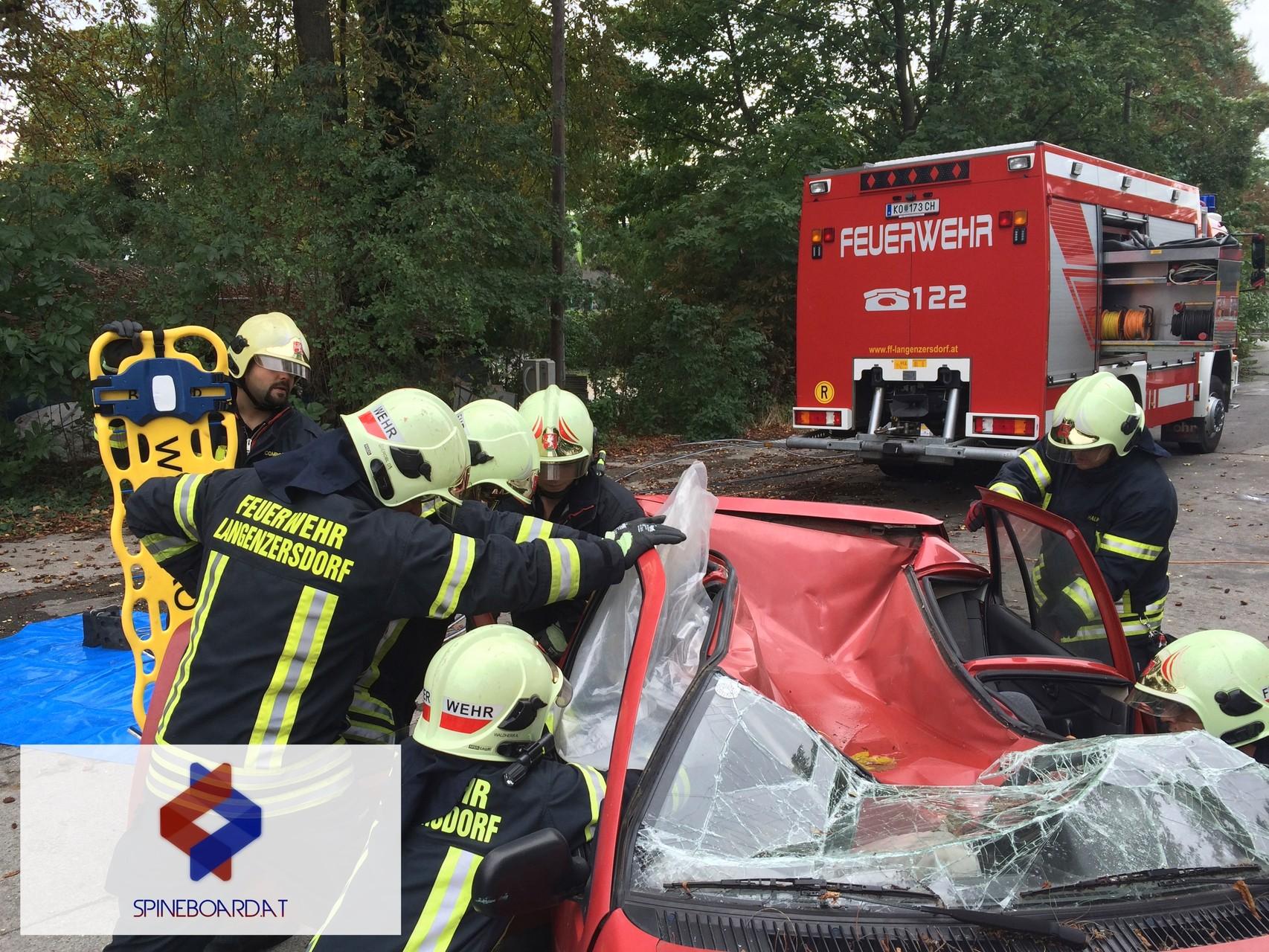 Arbeiten am Unfallfahrzeug - Dach deformiert