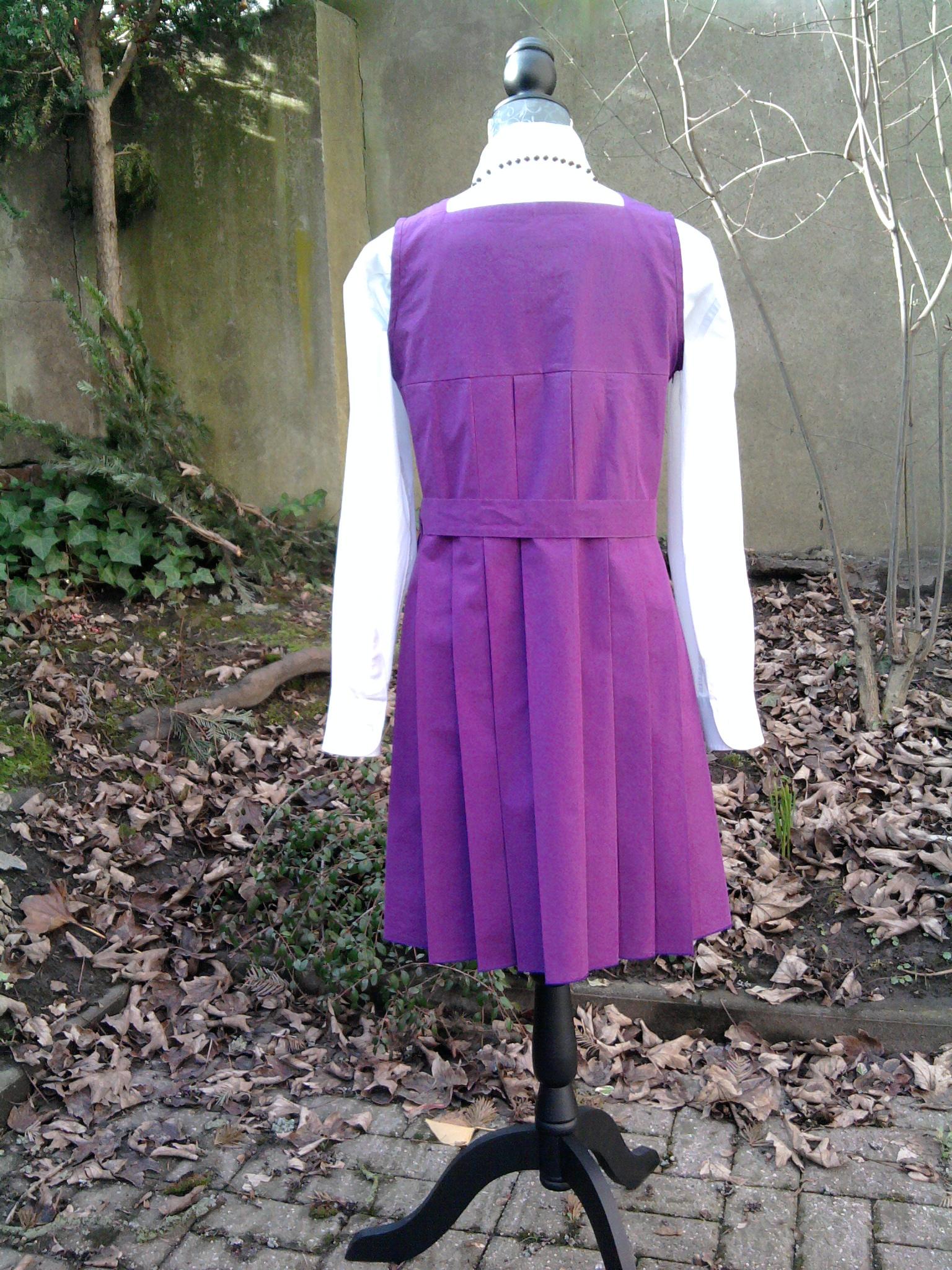 Schulmädchenuniform, Rückenansicht