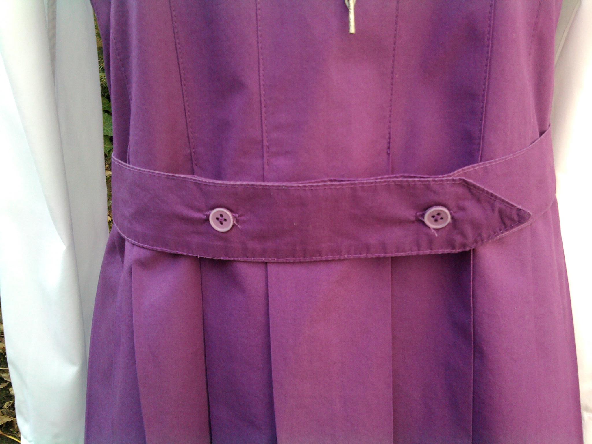 Schulmädchenuniform, Detail Gürtel