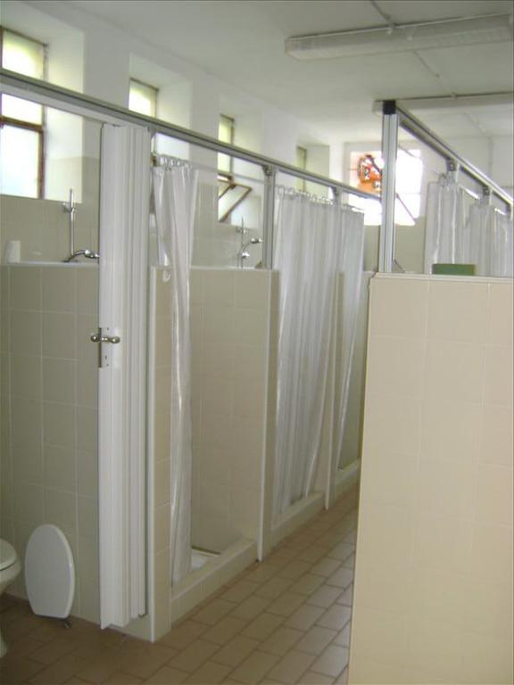 6.  Zona docce