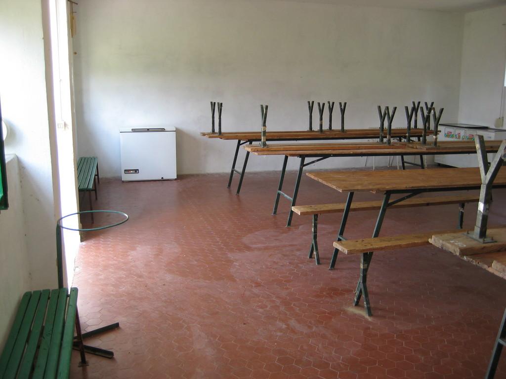 1.  Sala riunioni 85 mq