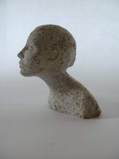 Kalksteinbüste,           H 17  T 10  B 15 cm