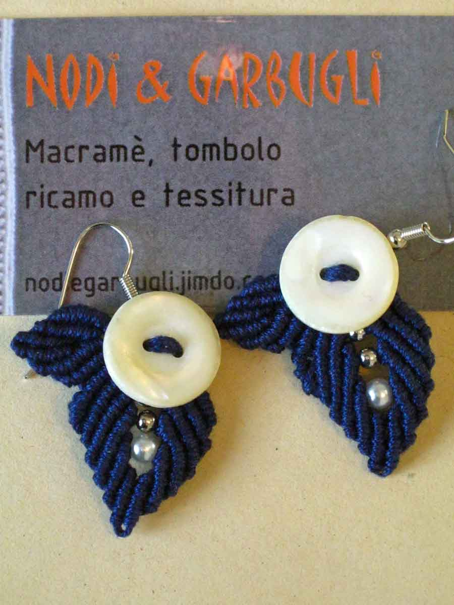 BOTTONI 4 - cotone blu e bottoncini in madreperla