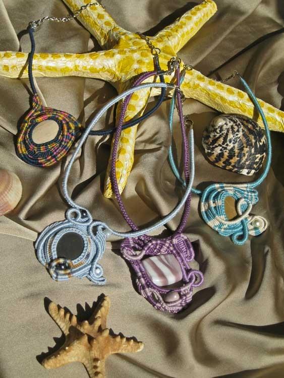 """collane in macramè serie """"Medusa"""""""