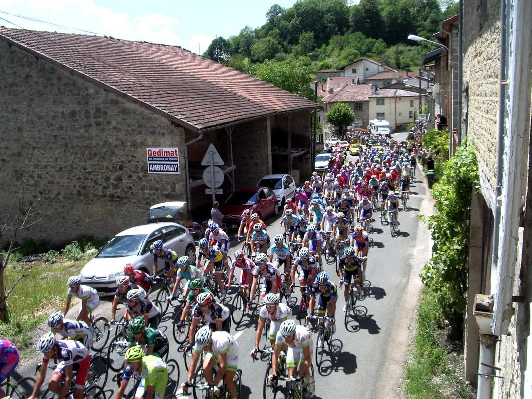 Le Tour de France 2012 à Châtillon : Le peloton.