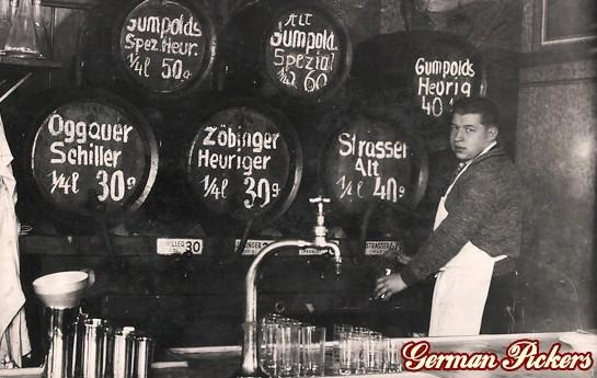 AK Wirt mit Bierfässern