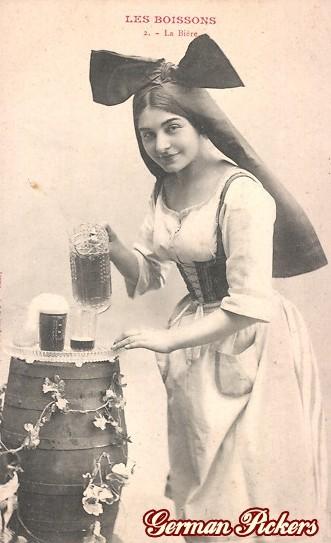 AK Les Boissons - 2ieme La Biere -  Elsässerin schenkt Bier ein