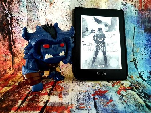 """Rezension ,,Underworld Chronicles - Verflucht: Buch 1"""""""