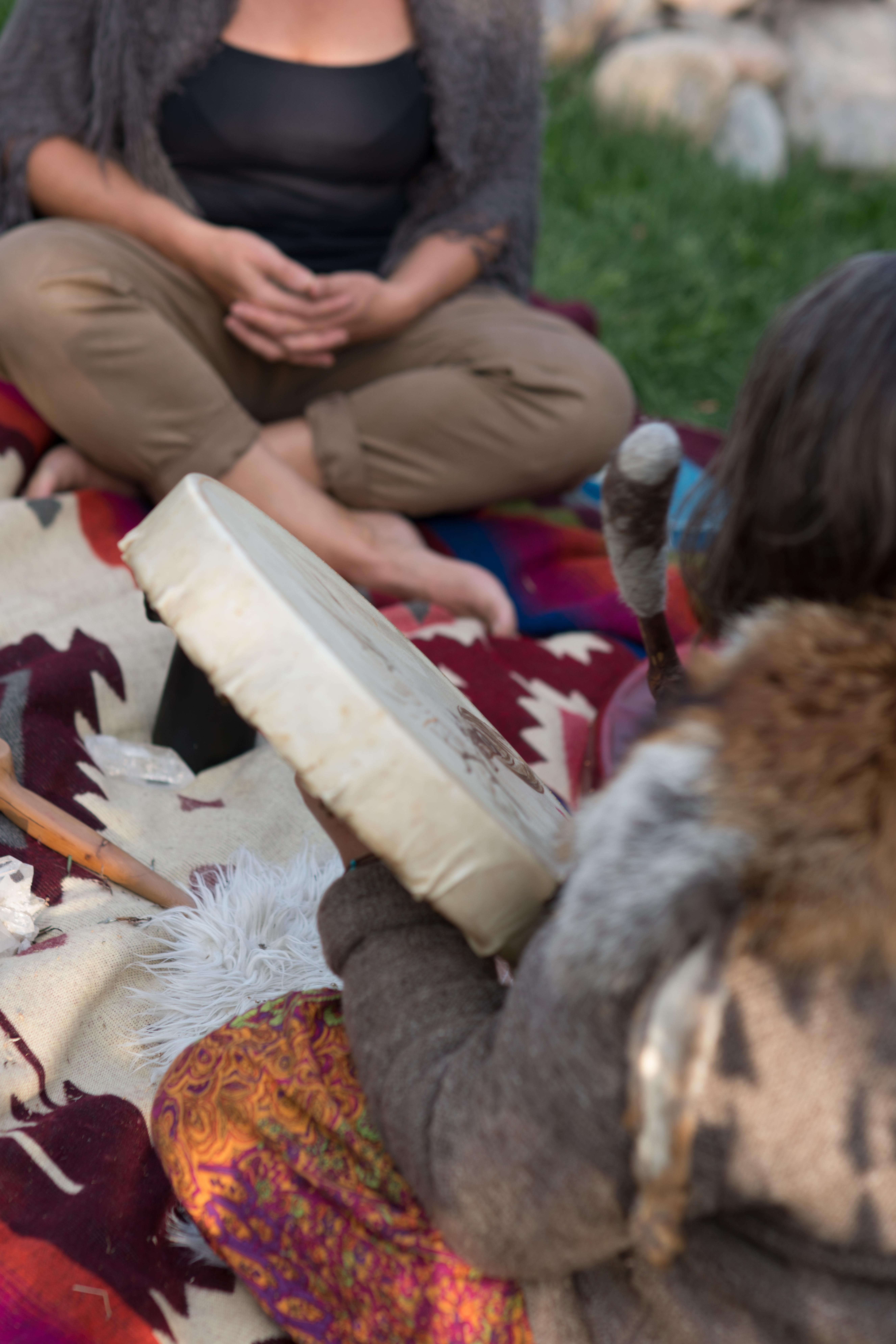 Schamanische Behandlungen und schamanische Beratung für Mensch, Tier, Pflanzen Plätze und Unternehmen