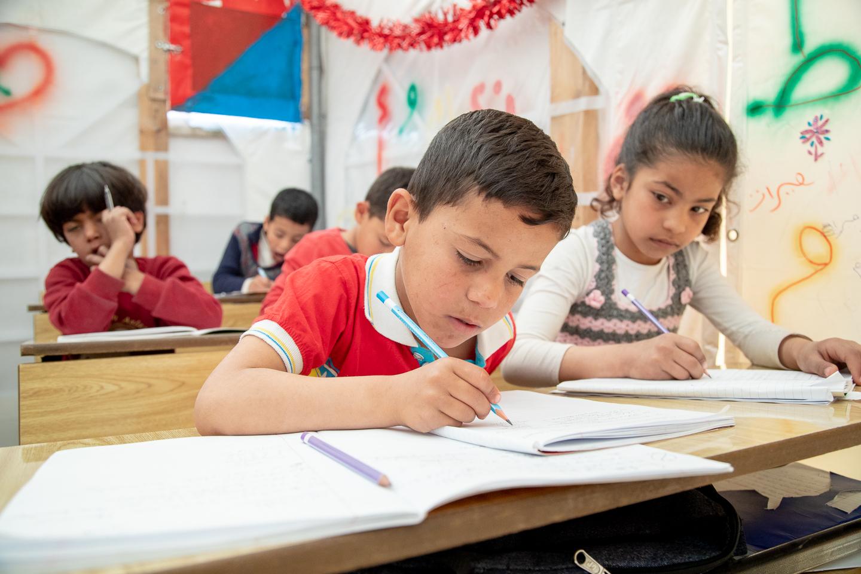 Schule im Zelt – Friedensarbeit, die Perspektiven schafft