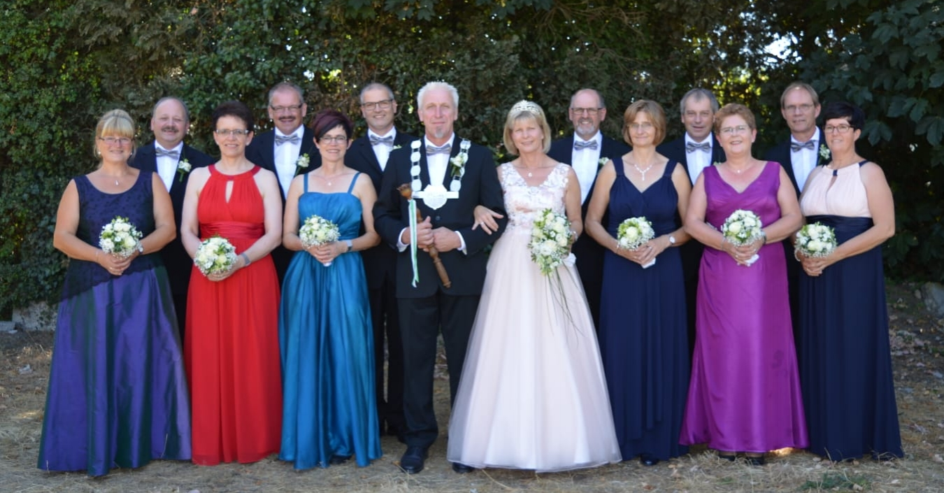 Elisabeth + Josef Verweyen, Ingrid + Ludger Schultz, Renate + Erwin Gochermann, König Herbert II + Königin Brigitte III Joosten, Rita + Gerd Albers, Mechthild + Herbert Heyers