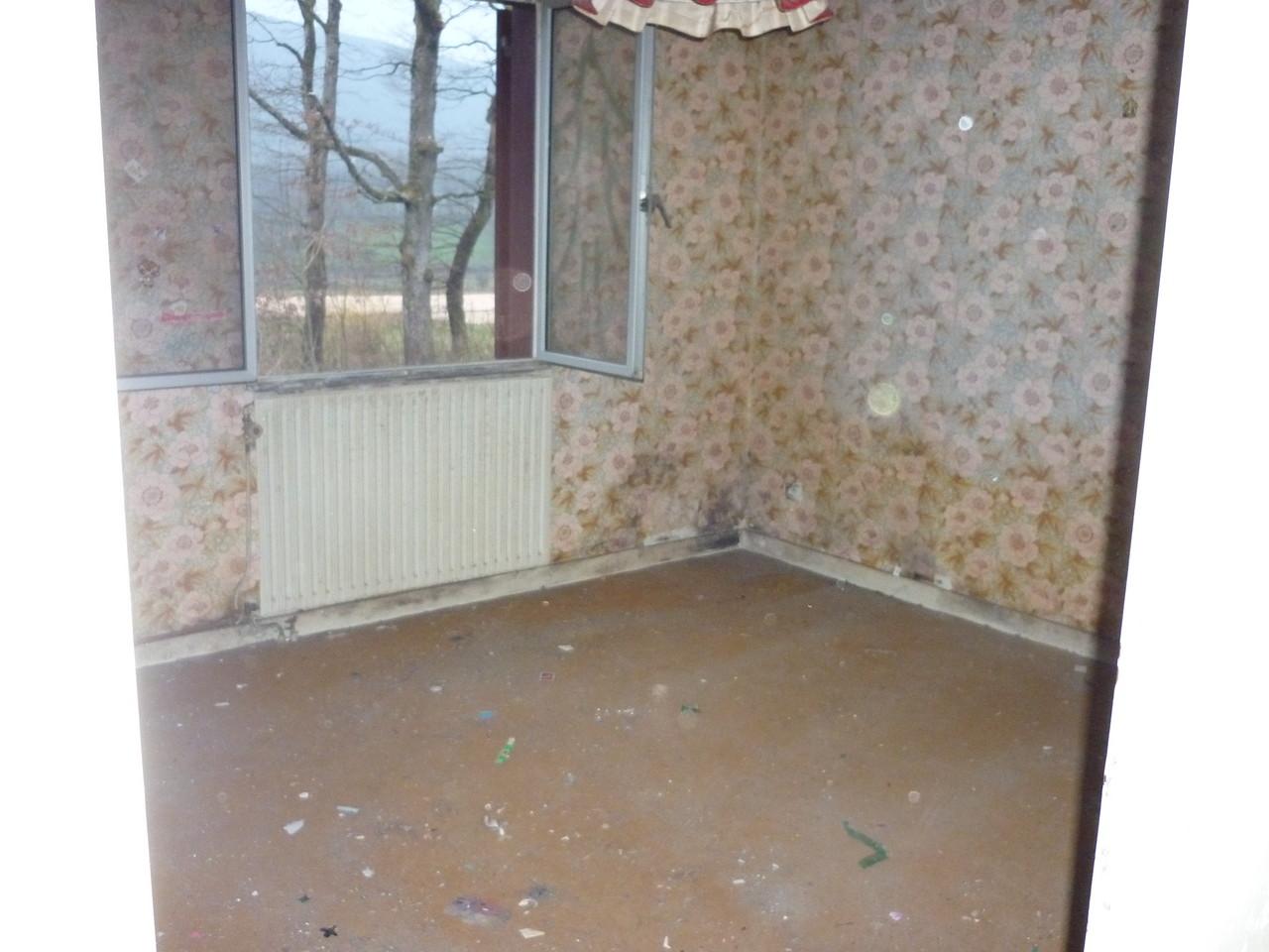 débarras d'une chambre à Gray, Haute Saône, 70, APRÈS INTERVENTION....... entreprise de déblaiement-débarras AHLEN