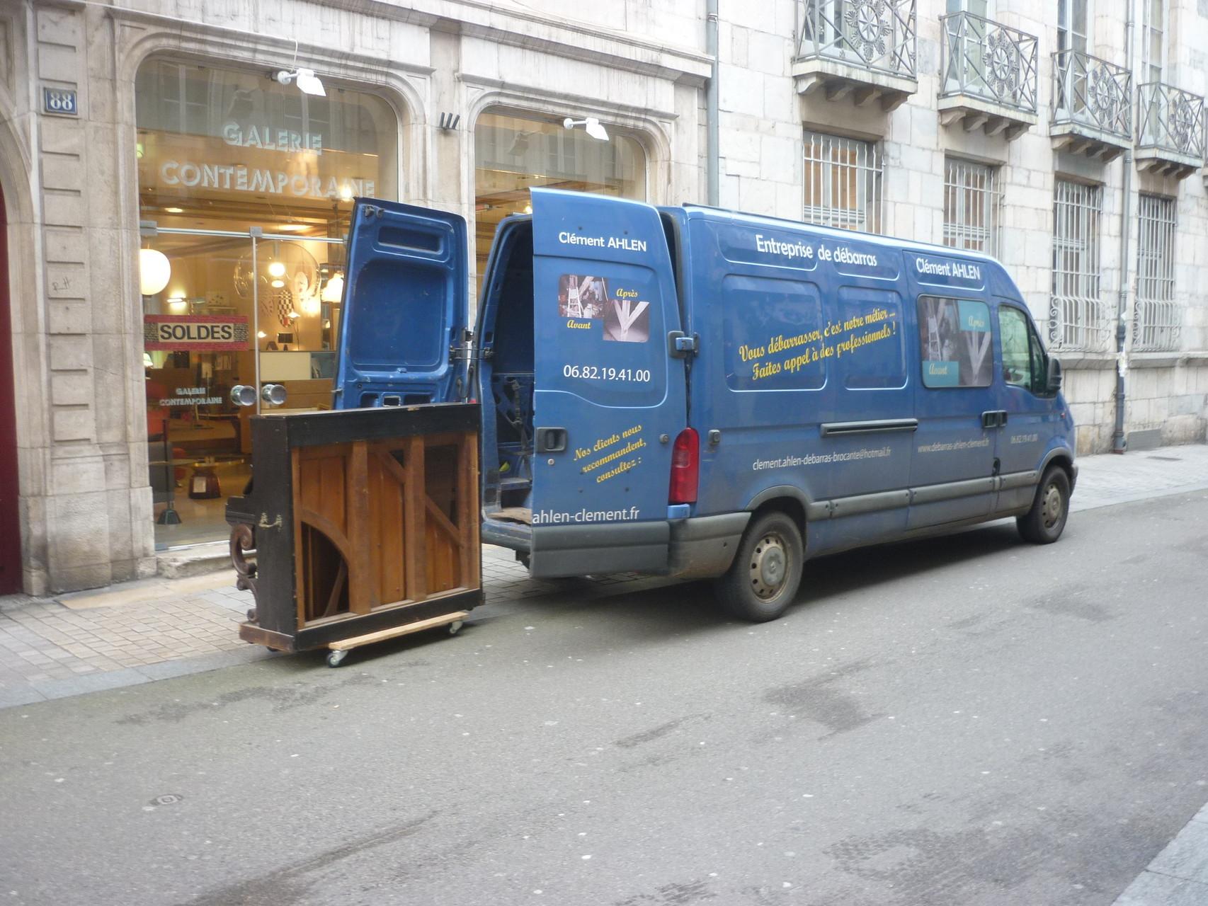 Enlèvement d'un piano à Besançon, Devis et renseignements gratuits: 06 82 19 41 00