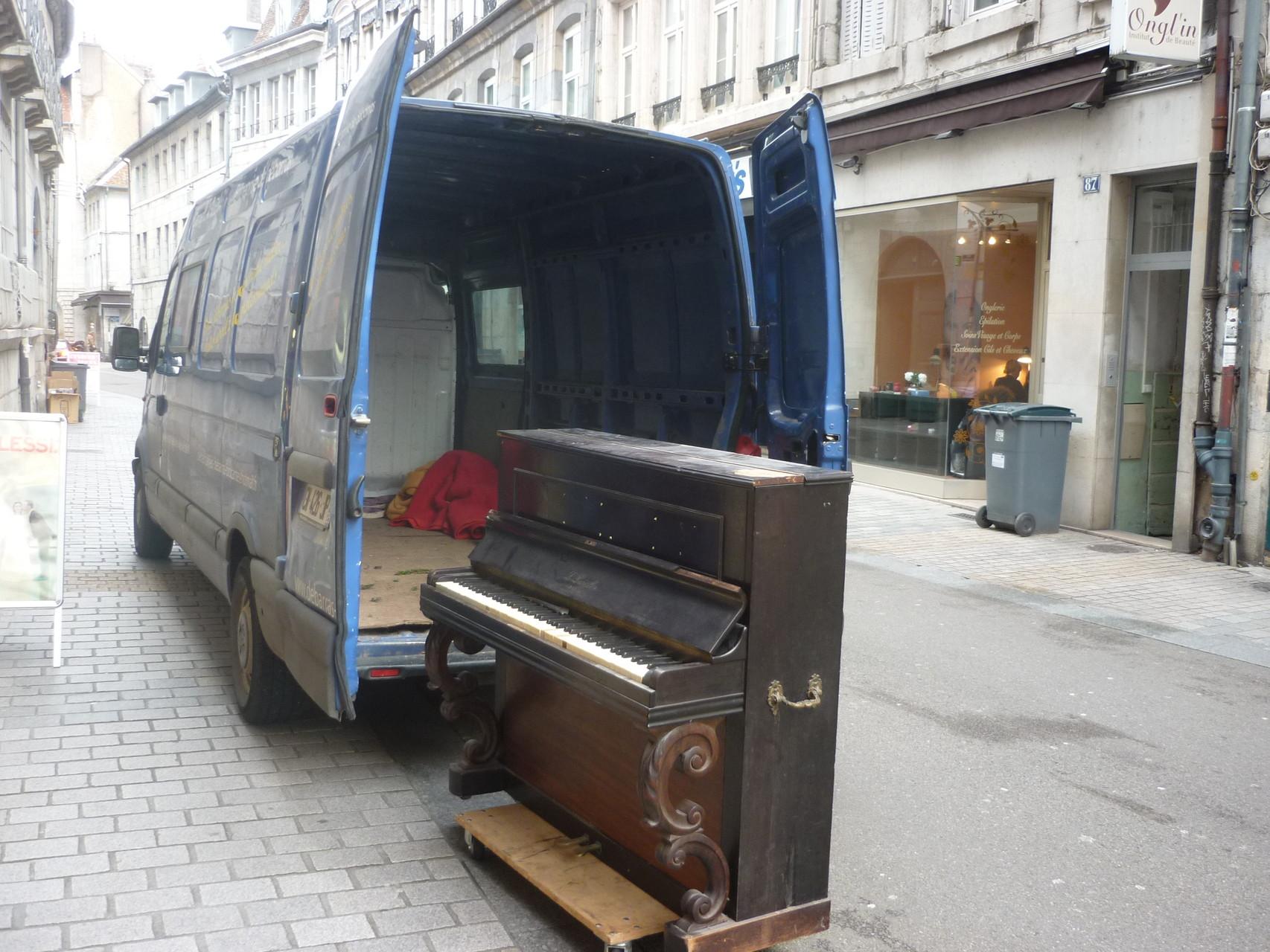 Débarras d'un piano à Besançon - Nous intervenons partout, Devis gratuit