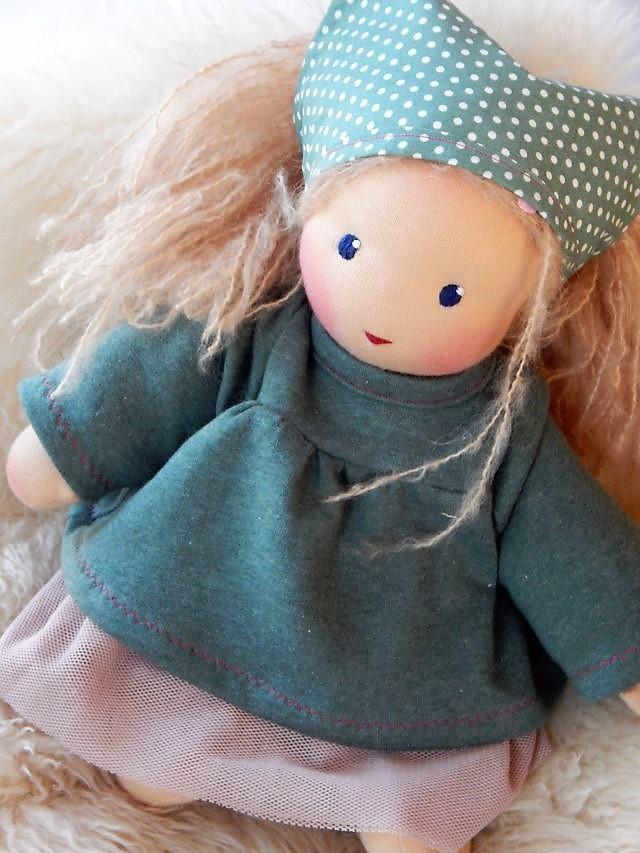 Bio-Stoffpuppe, Puppenhandwerk, Waldorfart, Wunschpuppe, individuelle Puppe passend zum Kind, Ballerina-Puppe, Jennifer Kliem-Pärsch, Puppe nach Wunsch, ökologische Kinderpuppe, handgemachte Stoffpuppe, Schlamperle-Puppe, Puppe Handarbeit, handgemacht