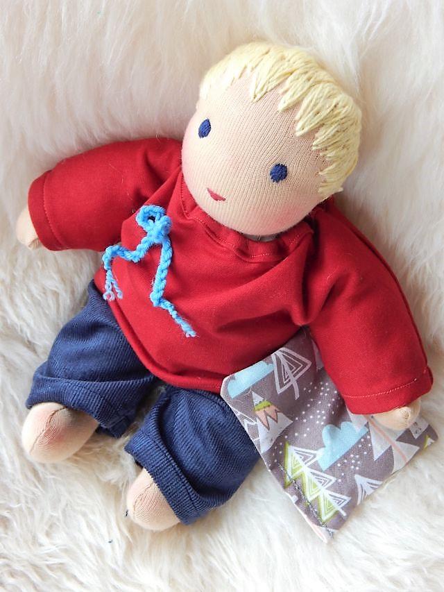 Bio-Stoffpuppe, Wunschpuppe, indnividuelle Puppe passend zum Kind, nachgearbeitete Puppe, Puppe nacharbeiten lassen, handgefertigte Puppe, Handarbeit, Puppenhandwerk, Stoffpuppe nach Waldorfart, Schlamperle-Puppe