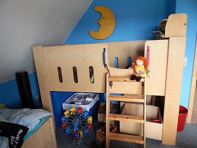 Hochbett, selbstgebaut, handgefertigt, handgemacht, Kinderbett