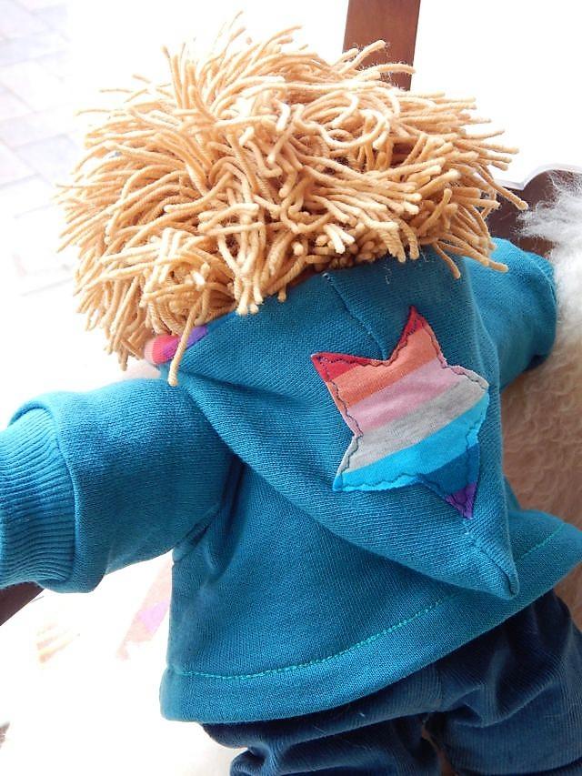 Bio-Stoffpuppe, handgemachte Puppe, Waldorart, Schlamperle, erste Puppe, Kuschelpuppe, Puppenhandwerk, Leben mit Kindern, ökologische Kinderpuppe, Wunschpuppe, Puppe nach Wunsch, individuelle Puppe passend zum Kind, Puppenfreund,